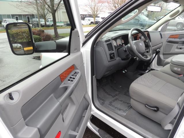 2006 Dodge Ram 3500 SLT 4dr Mega Cab / 4X4 / 5.9L DIESEL / 6-SPEED - Photo 13 - Portland, OR 97217