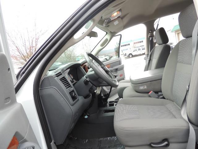 2006 Dodge Ram 3500 SLT 4dr Mega Cab / 4X4 / 5.9L DIESEL / 6-SPEED - Photo 14 - Portland, OR 97217