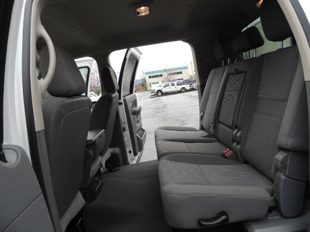 2006 Dodge Ram 3500 SLT 4dr Mega Cab / 4X4 / 5.9L DIESEL / 6-SPEED - Photo 15 - Portland, OR 97217