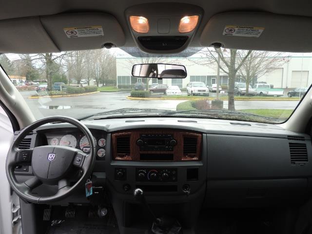 2006 Dodge Ram 3500 SLT 4dr Mega Cab / 4X4 / 5.9L DIESEL / 6-SPEED - Photo 36 - Portland, OR 97217