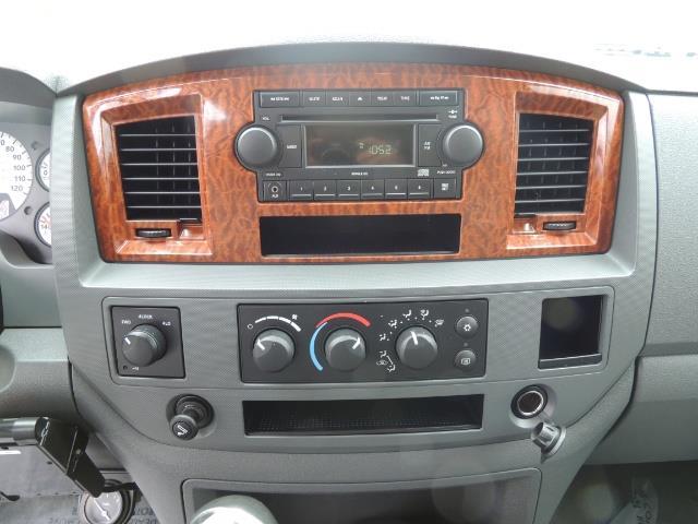 2006 Dodge Ram 3500 SLT 4dr Mega Cab / 4X4 / 5.9L DIESEL / 6-SPEED - Photo 37 - Portland, OR 97217