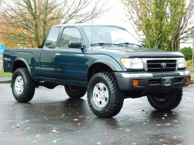 1998 Toyota Tacoma 4X4 V6 3.4L / 5 SPEED / TIMING BELT DONE /  LIFTED - Photo 2 - Portland, OR 97217