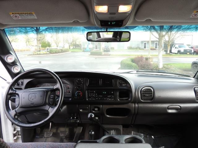 2002 Dodge Ram 2500 SLT Plus 4dr / 4X4 / 5.9L DIESEL HIGHOUTPUT/ 6-SPD - Photo 35 - Portland, OR 97217