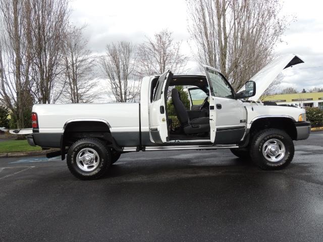 2002 Dodge Ram 2500 SLT Plus 4dr / 4X4 / 5.9L DIESEL HIGHOUTPUT/ 6-SPD - Photo 12 - Portland, OR 97217