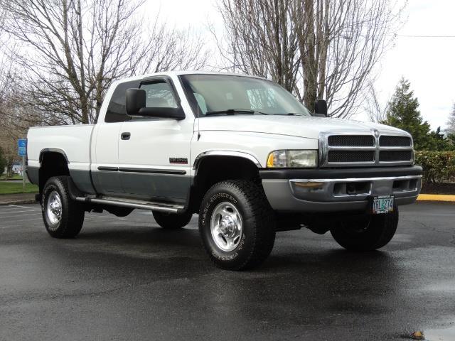 2002 Dodge Ram 2500 SLT Plus 4dr / 4X4 / 5.9L DIESEL HIGHOUTPUT/ 6-SPD - Photo 2 - Portland, OR 97217