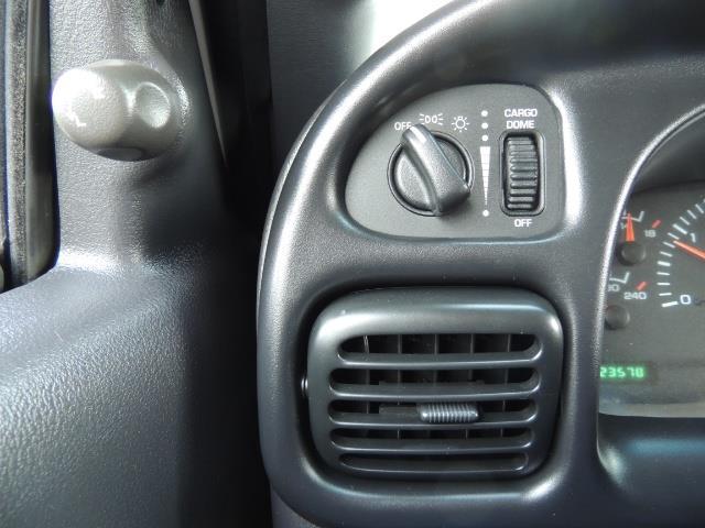 2002 Dodge Ram 2500 SLT Plus 4dr / 4X4 / 5.9L DIESEL HIGHOUTPUT/ 6-SPD - Photo 42 - Portland, OR 97217