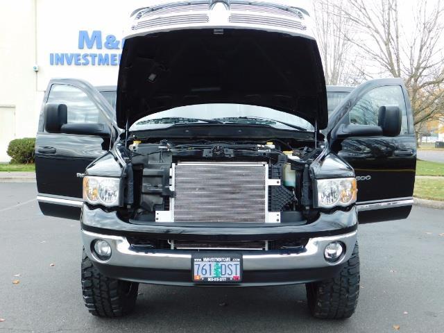 2005 Dodge Ram 2500 Laramie / 4X4 / 5.9L Cummins DIESEL / Leather - Photo 31 - Portland, OR 97217