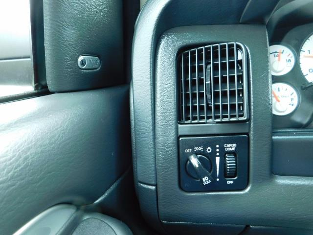 2005 Dodge Ram 2500 Laramie / 4X4 / 5.9L Cummins DIESEL / Leather - Photo 39 - Portland, OR 97217