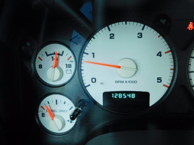 2005 Dodge Ram 2500 Laramie / 4X4 / 5.9L Cummins DIESEL / Leather - Photo 38 - Portland, OR 97217