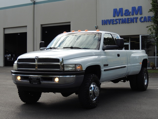 B B B Da on 2001 White Dodge Ram 3500