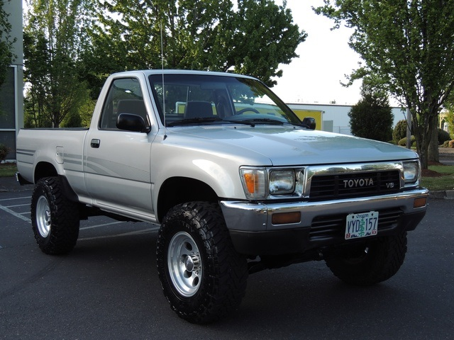 1991 Toyota Pickup Deluxe 4x4 5 Sd 6cyl Lifted