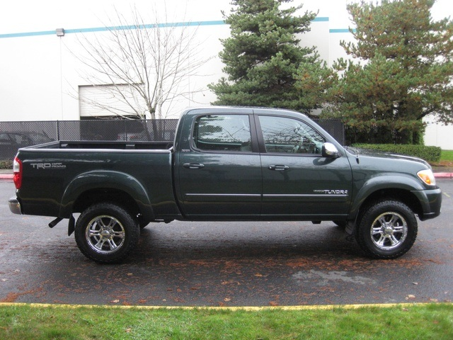 2006 Toyota Tundra SR5/ 4WD/ Crew Cab / TRD OFF RD/ LIFTED