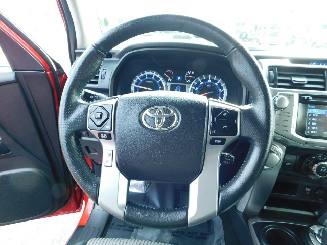 2016 Toyota 4Runner SR5 / 4X4 / Third Seat / Basket / NerfBar / LIFTED - Photo 39 - Portland, OR 97217