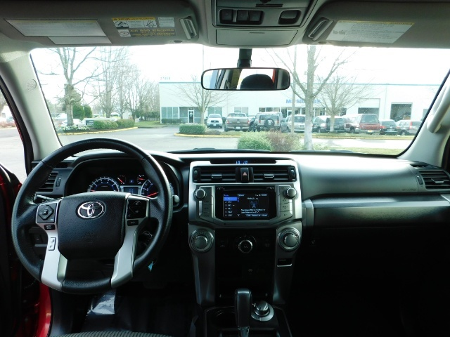 2016 Toyota 4Runner SR5 / 4X4 / Third Seat / Basket / NerfBar / LIFTED - Photo 36 - Portland, OR 97217