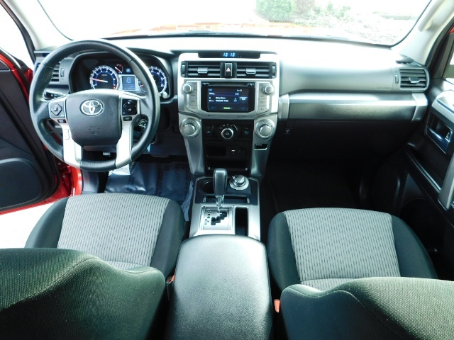 2016 Toyota 4Runner SR5 / 4X4 / Third Seat / Basket / NerfBar / LIFTED - Photo 37 - Portland, OR 97217