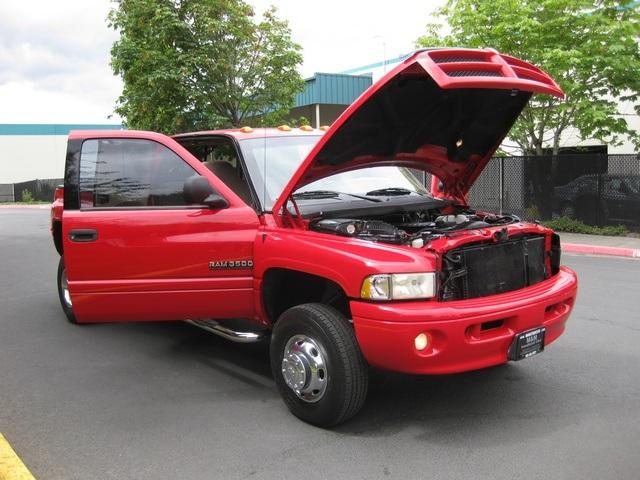 2001 Dodge Ram 3500 SLT Plus/5.9L Turbo Diesel/4X4/DUALLY - Photo 16 - Portland, OR 97217