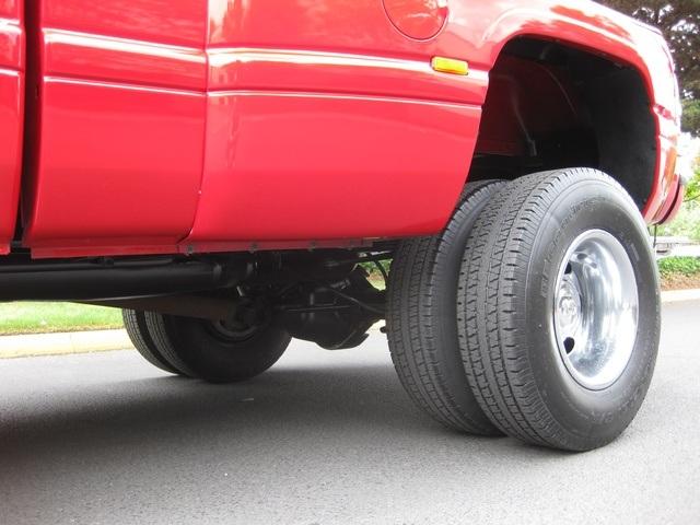 2001 Dodge Ram 3500 SLT Plus/5.9L Turbo Diesel/4X4/DUALLY - Photo 36 - Portland, OR 97217