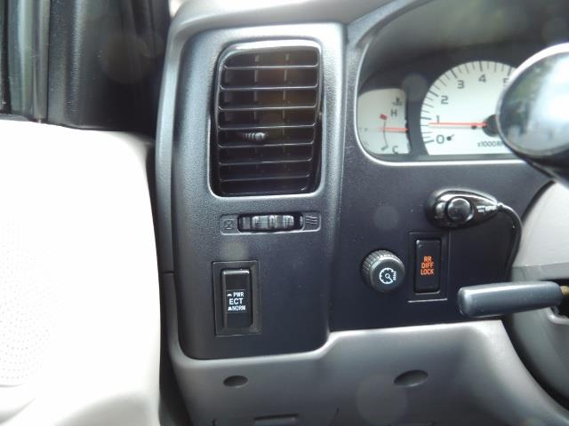 2004 Toyota Tacoma SR5 V6 4dr Double Cab / 4X4 / TRD OFF RD / LIFTED - Photo 21 - Portland, OR 97217