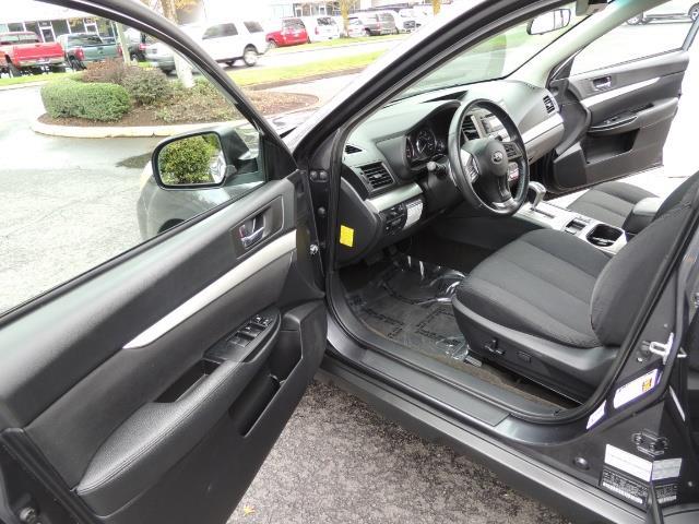 2012 Subaru Outback 2.5i Premium Wagon / ALL WHEEL DRIVE  / LOW MILES - Photo 13 - Portland, OR 97217