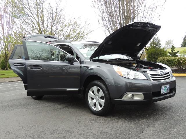 2012 Subaru Outback 2.5i Premium Wagon / ALL WHEEL DRIVE  / LOW MILES - Photo 35 - Portland, OR 97217