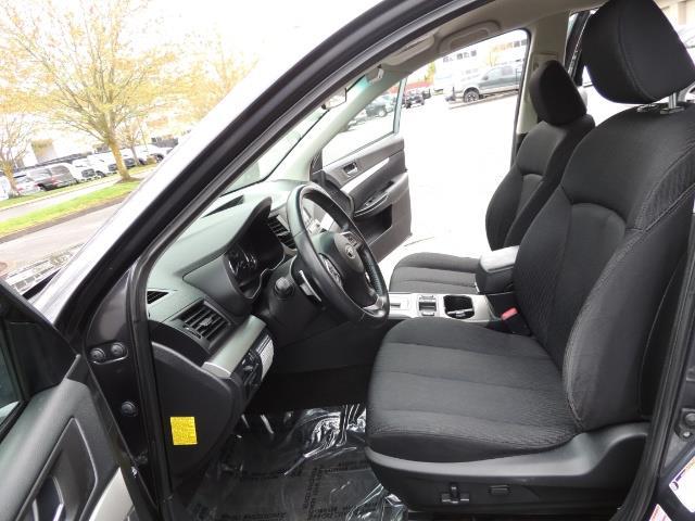 2012 Subaru Outback 2.5i Premium Wagon / ALL WHEEL DRIVE  / LOW MILES - Photo 14 - Portland, OR 97217