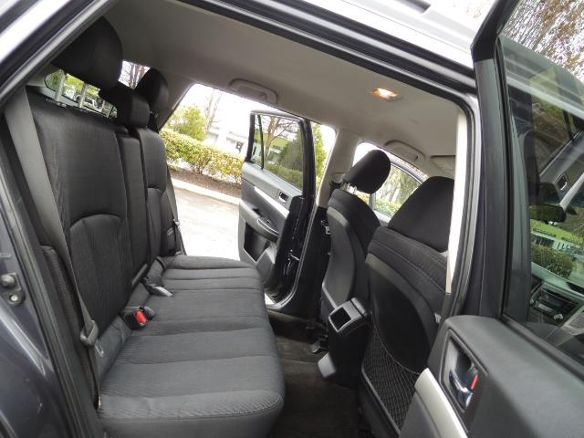 2012 Subaru Outback 2.5i Premium Wagon / ALL WHEEL DRIVE  / LOW MILES - Photo 17 - Portland, OR 97217