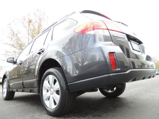 2012 Subaru Outback 2.5i Premium Wagon / ALL WHEEL DRIVE  / LOW MILES - Photo 11 - Portland, OR 97217