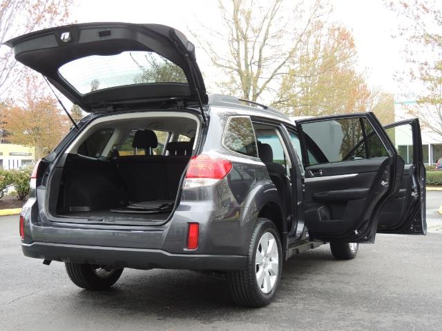 2012 Subaru Outback 2.5i Premium Wagon / ALL WHEEL DRIVE  / LOW MILES - Photo 34 - Portland, OR 97217