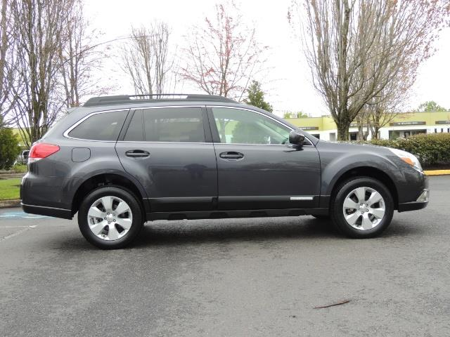 2012 Subaru Outback 2.5i Premium Wagon / ALL WHEEL DRIVE  / LOW MILES - Photo 4 - Portland, OR 97217