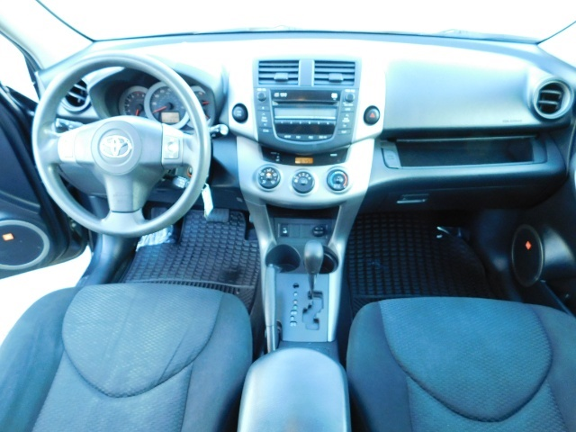 2008 Toyota RAV4 Sport / AWD / Sport Utility / Sunroof / 1-OWNER - Photo 18 - Portland, OR 97217