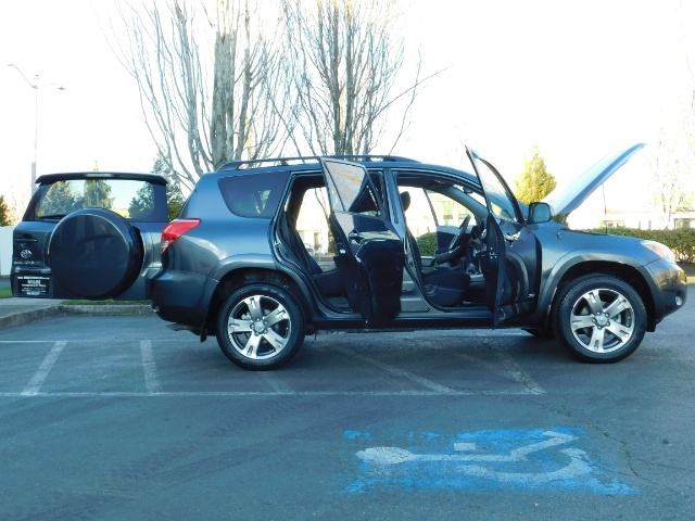 2008 Toyota RAV4 Sport / AWD / Sport Utility / Sunroof / 1-OWNER - Photo 29 - Portland, OR 97217