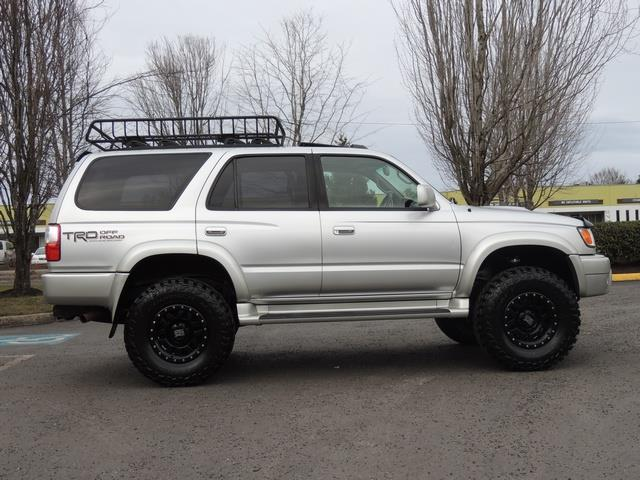 2001 Toyota 4Runner SPORT SR5 / 4X4 / Sunroof / LIFTED LIFTED - Photo 4 - Portland, OR 97217