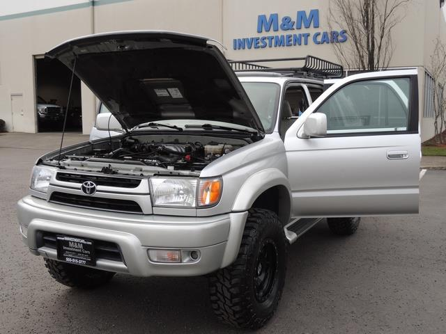 2001 Toyota 4Runner SPORT SR5 / 4X4 / Sunroof / LIFTED LIFTED - Photo 25 - Portland, OR 97217
