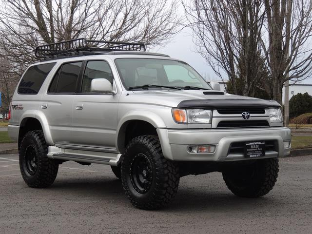 2001 Toyota 4Runner SPORT SR5 / 4X4 / Sunroof / LIFTED LIFTED - Photo 2 - Portland, OR 97217