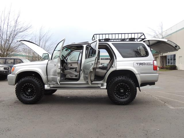 2001 Toyota 4Runner SPORT SR5 / 4X4 / Sunroof / LIFTED LIFTED - Photo 26 - Portland, OR 97217