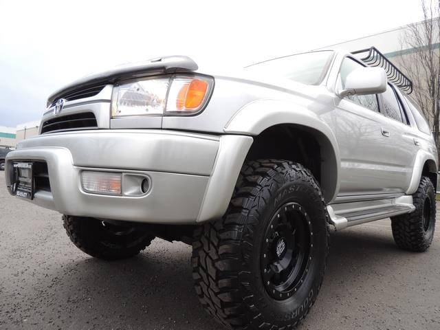 2001 Toyota 4Runner SPORT SR5 / 4X4 / Sunroof / LIFTED LIFTED - Photo 9 - Portland, OR 97217