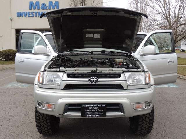 2001 Toyota 4Runner SPORT SR5 / 4X4 / Sunroof / LIFTED LIFTED - Photo 31 - Portland, OR 97217