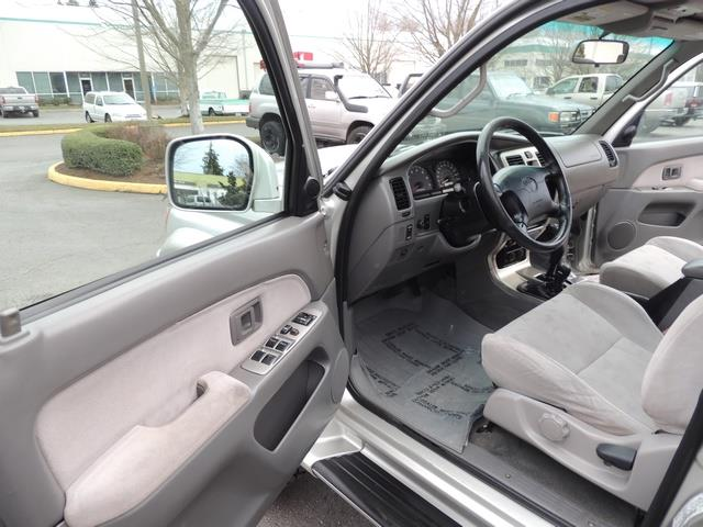 2001 Toyota 4Runner SPORT SR5 / 4X4 / Sunroof / LIFTED LIFTED - Photo 13 - Portland, OR 97217