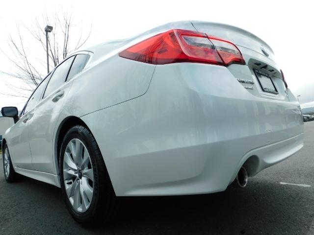 2015 Subaru Legacy 2.5i Premium  / All Wheel Drive / 1-Owner - Photo 10 - Portland, OR 97217