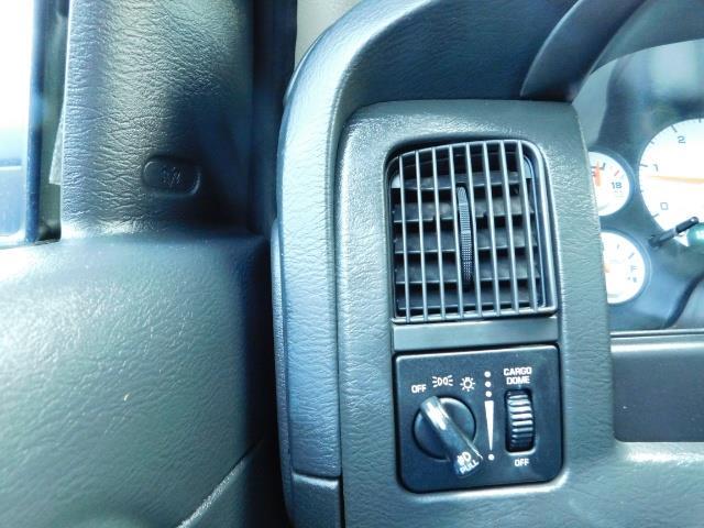 2004 Dodge Ram 2500 SLT 4X4 / Diesel 5.9L / 6-SPEED / 128k Mi LIFTED - Photo 42 - Portland, OR 97217