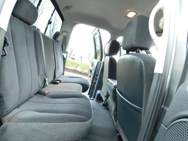 2004 Dodge Ram 2500 SLT 4X4 / Diesel 5.9L / 6-SPEED / 128k Mi LIFTED - Photo 16 - Portland, OR 97217