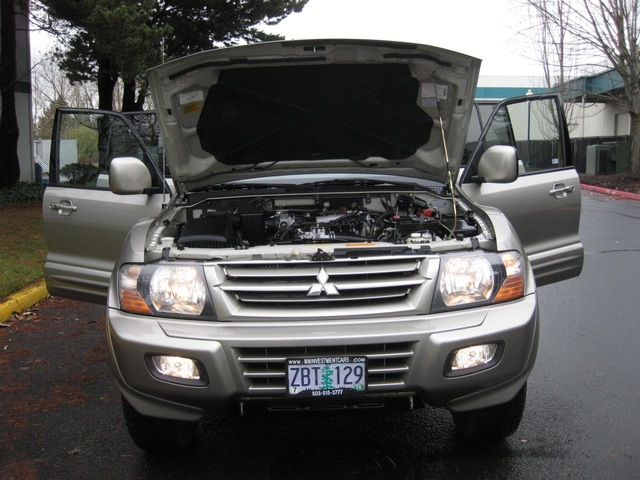 2002 Mitsubishi Montero Limited / 4WD / V6 / 3RD Seat / Leather / Loaded - Photo 16 - Portland, OR 97217
