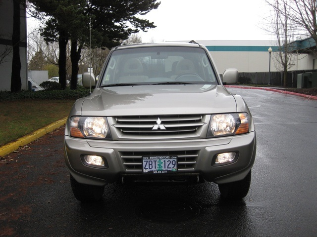 2002 Mitsubishi Montero Limited / 4WD / V6 / 3RD Seat / Leather / Loaded - Photo 5 - Portland, OR 97217