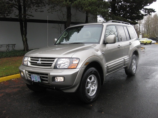 2002 Mitsubishi Montero Limited / 4WD / V6 / 3RD Seat / Leather / Loaded - Photo 1 - Portland, OR 97217
