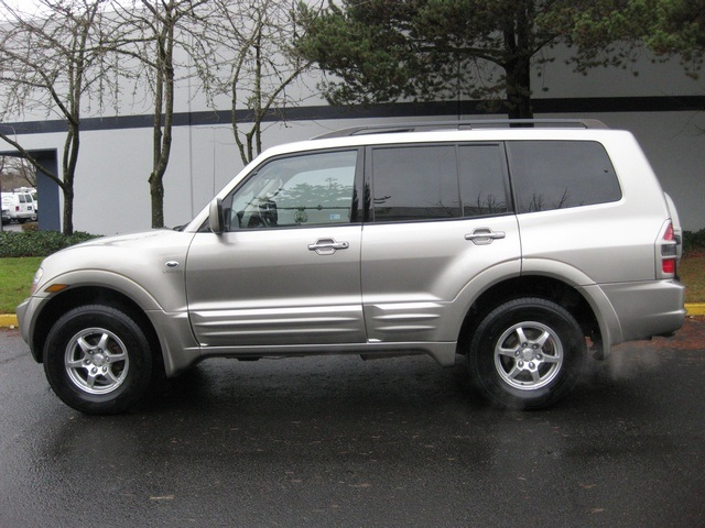 2002 Mitsubishi Montero Limited / 4WD / V6 / 3RD Seat / Leather / Loaded - Photo 3 - Portland, OR 97217