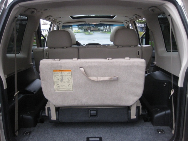 2002 Mitsubishi Montero Limited / 4WD / V6 / 3RD Seat / Leather / Loaded - Photo 25 - Portland, OR 97217