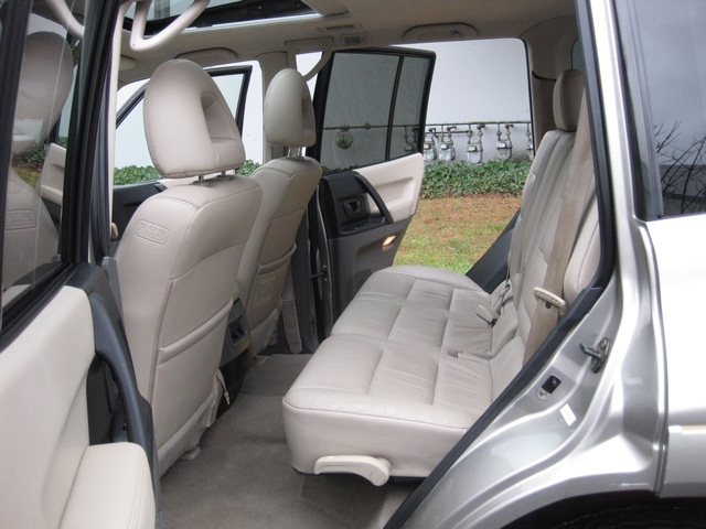 2002 Mitsubishi Montero Limited / 4WD / V6 / 3RD Seat / Leather / Loaded - Photo 23 - Portland, OR 97217