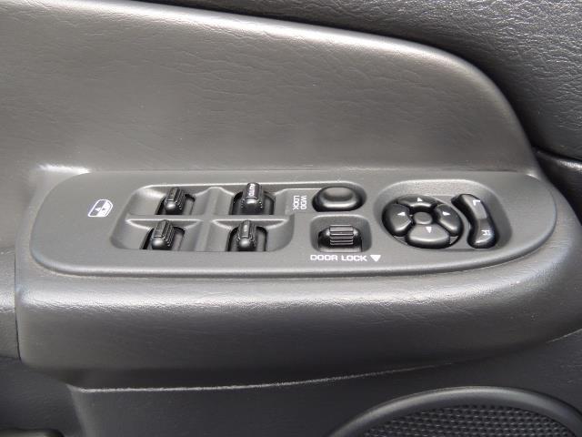 2003 Dodge Ram 2500 SLT / 4X4 / 5.9L Diesel HIGHOUTPUT/ 6-SPEED MANUAL - Photo 32 - Portland, OR 97217