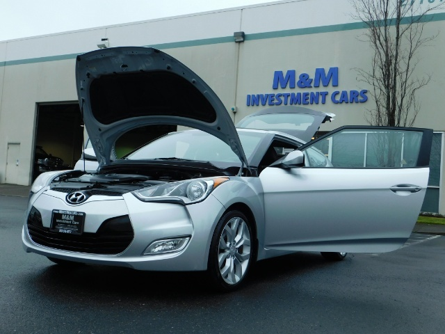 2012 Hyundai Veloster 3 DR / HatchBack / 6-SPEED MANUAL / PANO ROOF - Photo 25 - Portland, OR 97217