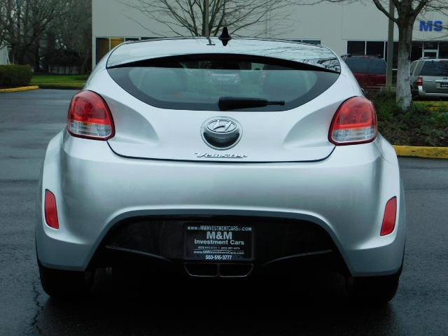 2012 Hyundai Veloster 3 DR / HatchBack / 6-SPEED MANUAL / PANO ROOF - Photo 6 - Portland, OR 97217